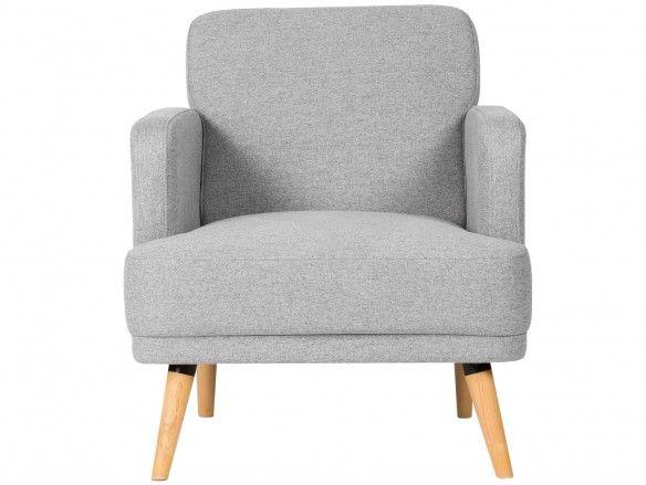 Sillón tapizado gris claro y patas madera  merkamueble